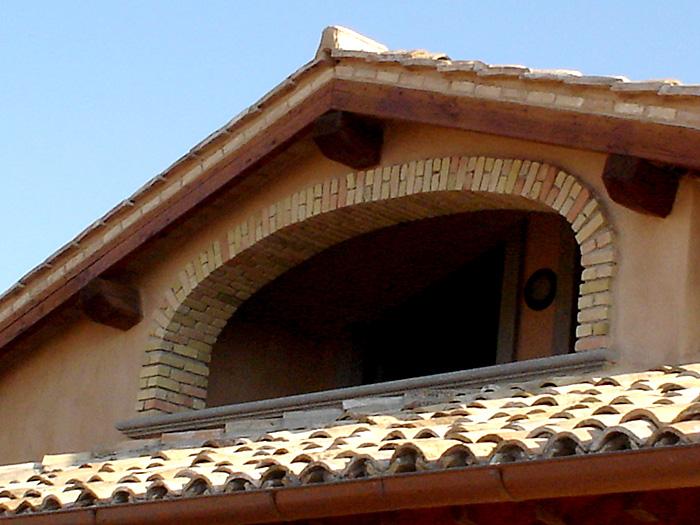 Altro esempio di arco policentrico o arco a tre cerchi for Arco in mattoni a vista